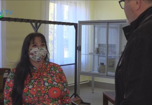 Kis Bocs: maszkot varrnak a partnereknek