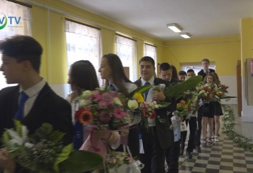 Szűk körben ballagtak el a nyolcadikosok a Telekiben