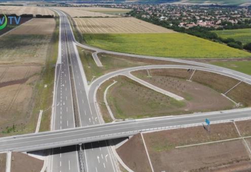 Átadták az M25-ös gyorsforgalmi utat