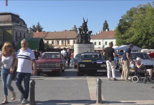 Veterán járművek találkozója Egerben